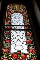 Atjaunotā jūgendstila vitrāža
